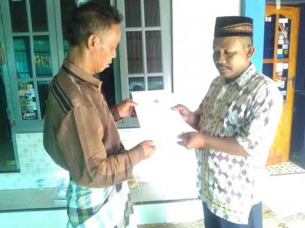 Aksi Simpati Perdana Untuk Warga Karanglo RT 005 Pedukuhan Sokowaten Diserahkan Oleh Sesepuh Kampung