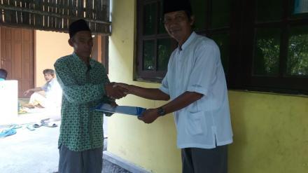 Penyerahan Akta Kematian Pprogram Aksi Simpati di Glagah Lor RT 002