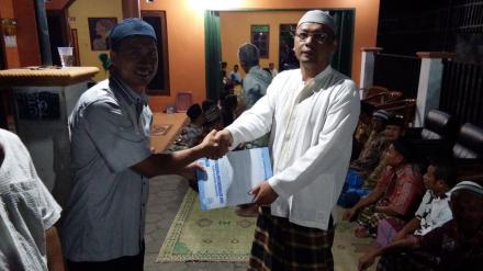 Serah Terima Akta Kematian Program Aksi Simpati di Potronanggan RT 05 Kepada Ahli Waris Alm Miskijan