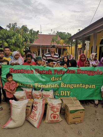 Penyerahan Bantuan Dari Donasi Warga Tamanan Untuk Palu dan Donggala
